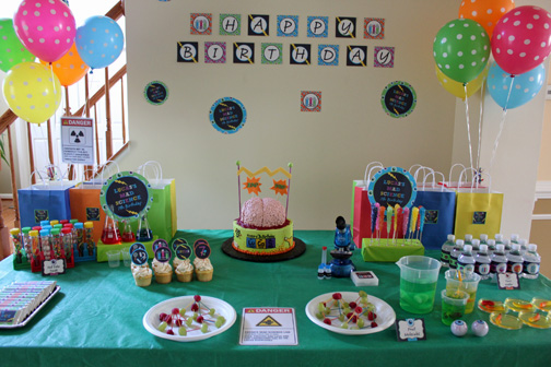 mad science party table