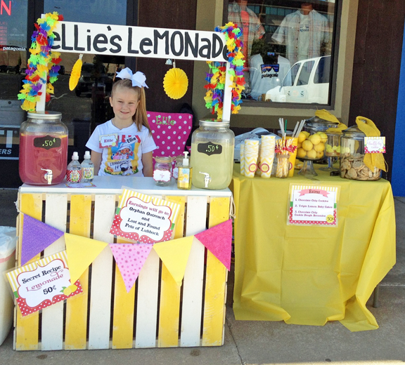 Lemonade Day - Lemonade Stand Ideas / That Party Chick