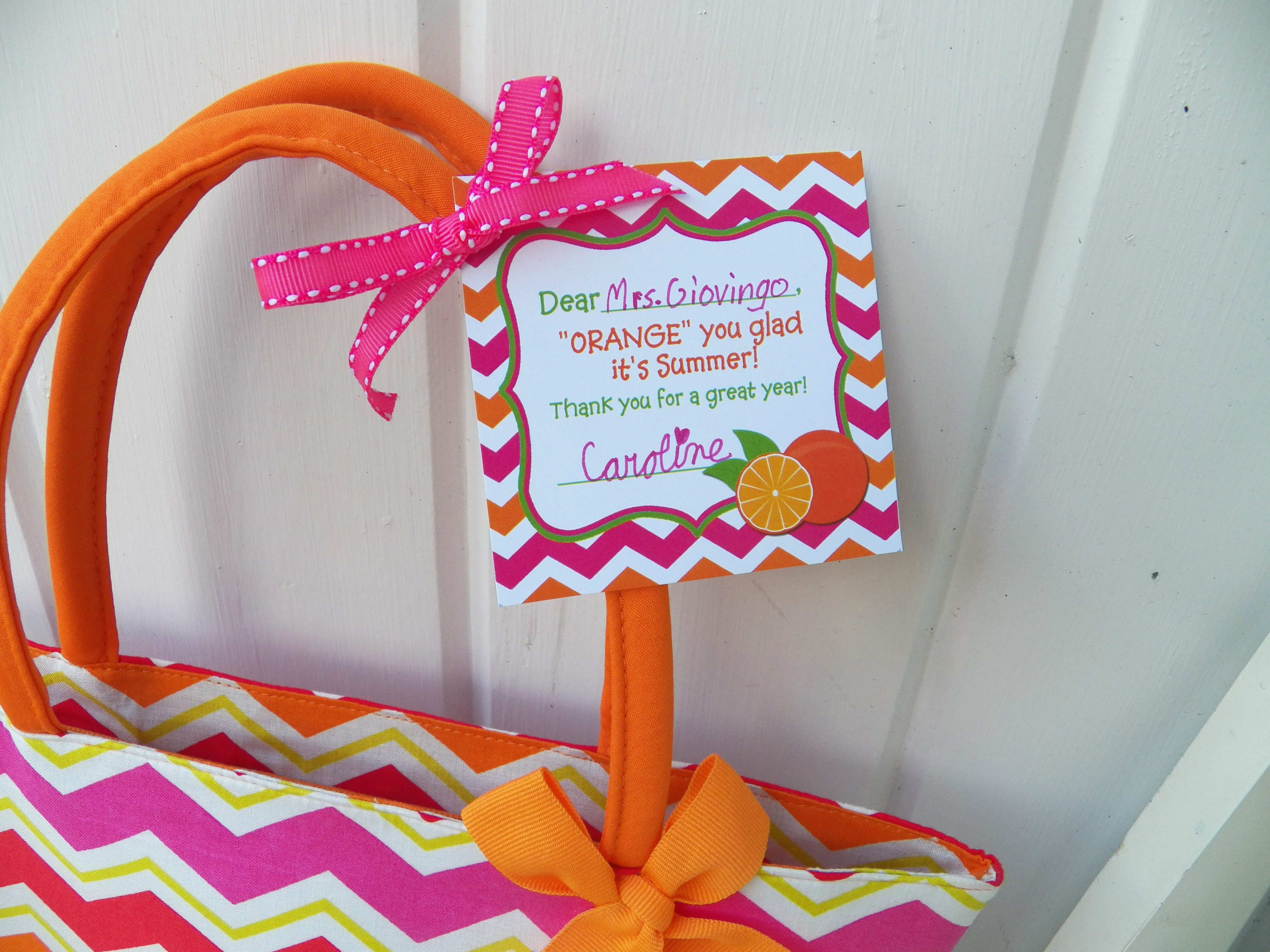 end of year teacher gift idea printable giveaway    that party chick